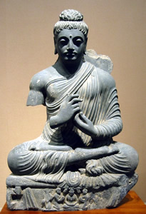 seated damaged buddha